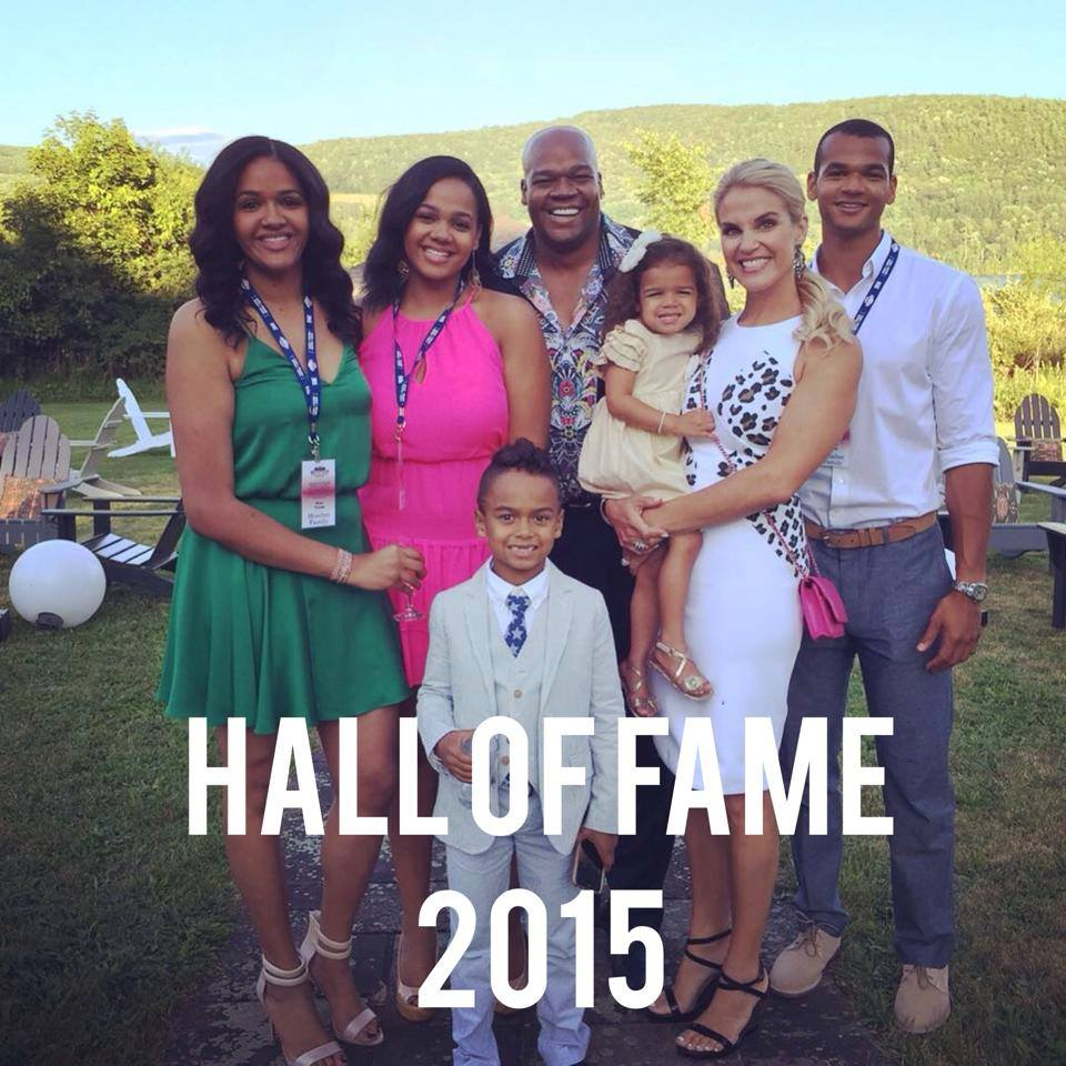 frank thomas wife images reverse search